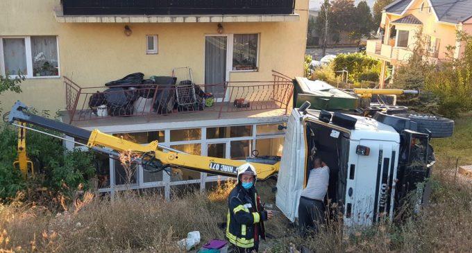 """,,Dorel"""" de Cluj a răsturnat macaraua pe balconul oamenilor"""