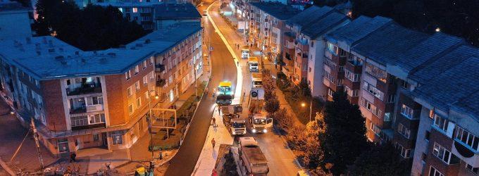 Primaria Turda: Asfalt proaspăt pe strada Libertății! Lucrările sunt în plină desfășurare