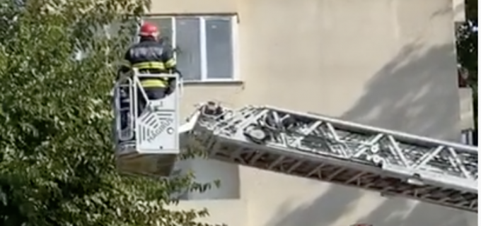 VIDEO: Bărbat găsit decedat în locuința sa, la Câmpia Turzii