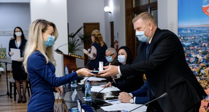 Foto/Video: Primarul Dorin Lojigan şi noul Consiliu local au depus jurământul