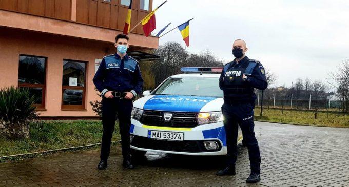 Doi polițiști din Câmpia Turzii au devenit eroi pentru un bunic. Vezi AICI mai multe detalii