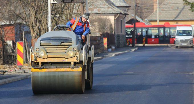 Încă o stradă din municipiul Turda a fost asfaltată
