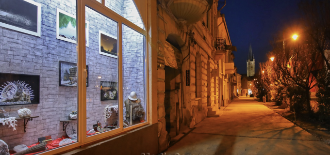 Turda în oglindă îmbracă straie noi! Vitrina găzduiește exponate din cel mai frumos loc subteran din lume: SALINA TURDA