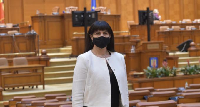 Deputat Burciu Cristina: Modificarea structurii anului școlar contribuie la protejarea elevilor împotriva pandemiei