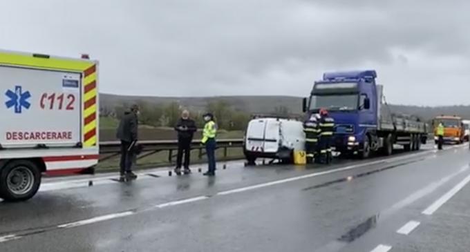 VIDEO. Accident rutier pe centura Vâlcele-Apahida. O femeie a fost transportată la Spital