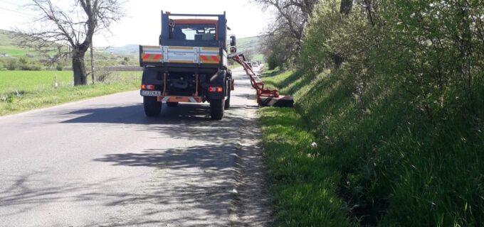 Consiliul Județean Cluj a demarat lucrările de întreținere care vizează sporirea vizibilității în trafic