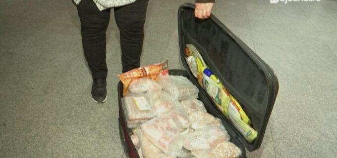 FOTO – Cu mielul in bagaj pe aeroportul din Cluj