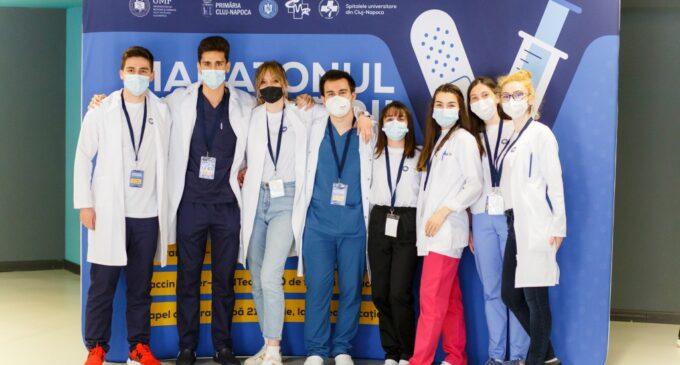 """3900 de persoane vaccinate la Maratonul Vaccinării organizat de UMF """"Iuliu Hațieganu"""" din Cluj-Napoca"""