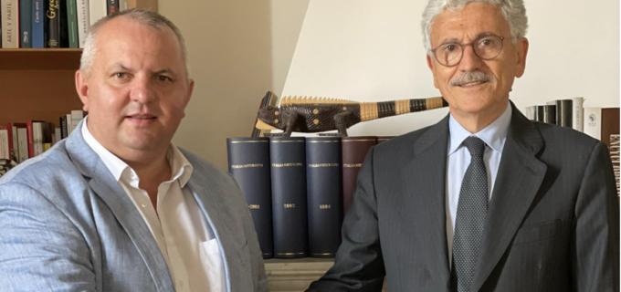 """Vicepreședintele ALDE, Avram Gal, in vizită oficială în Italia: """"Partenerii noștri europeni au început să înțeleagă că a trata România doar ca pe o pepinieră de forță de muncă ieftină este o abordare contraproductivă pe termen lung"""""""