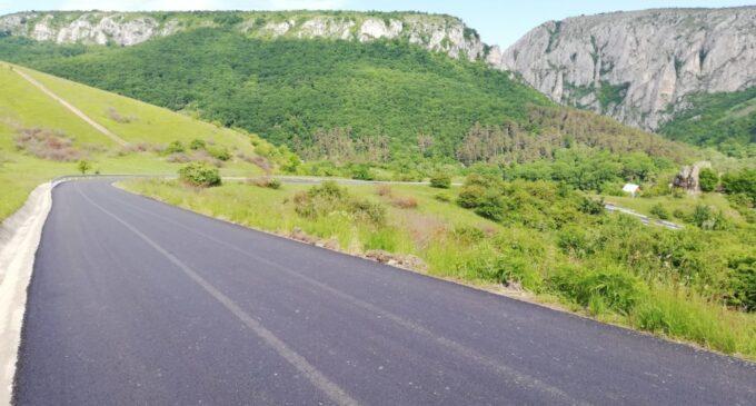 Consiliul Județean a finalizat asfaltarea drumului județean 103I (DJ 103G) Platou – Cheile Turzii