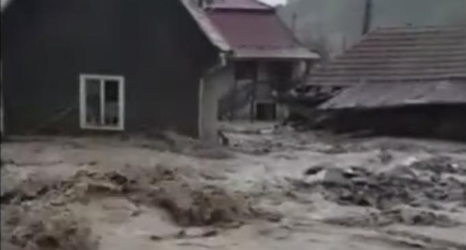 FOTO-VIDEO: O nouă viitură a lovit localitatea Ocoliș