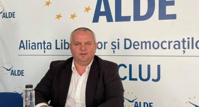 """Vicepreședintele ALDE, Avram Gal, denunță guvernarea haotică: """"România pare că suferă de sindromul Titanic. Pe punte se cântă și dansează, iar la bază vasul a început să ia apă."""""""