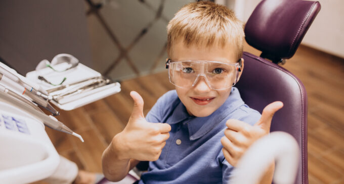 Când trebuie să apelezi la serviciile unui specialist în ortodonție pentru copii?