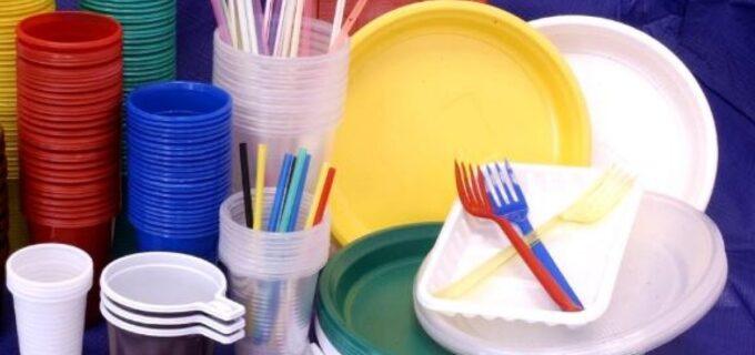 Oficial. Ordonanța anti-plastic a fost adoptată de Guvern. Ce produse de unică folosință vor fi interzise