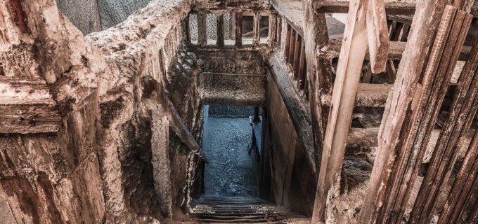 Salina Turda: Vă invităm la o călătorie în timp! SCARA BOGAȚILOR este cea mai veche structură de lemn din Salina