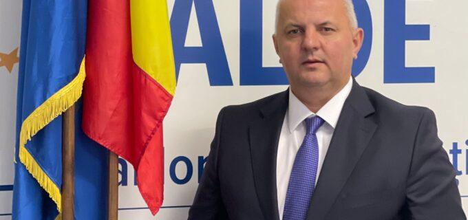 Președintele ALDE Cluj, Avram Gal : Tot acest spectacol politic devine grotesc în contextul în care zilnic în spitale se sting peste 400 de români