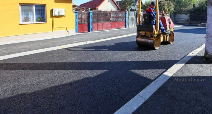 Primăria Turda: A fost așternut primul strat de asfalt pe strada Depoului